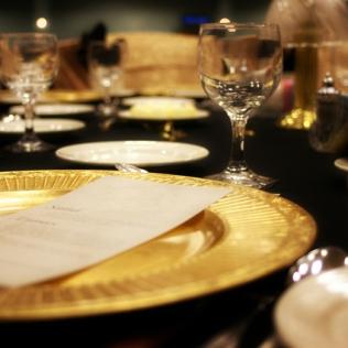 fancy-dinner-setting-1328871-640x425