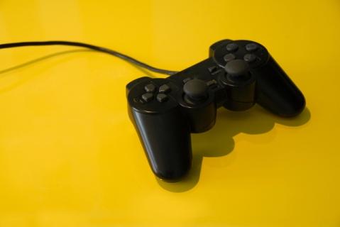joystick-1307367-639x427